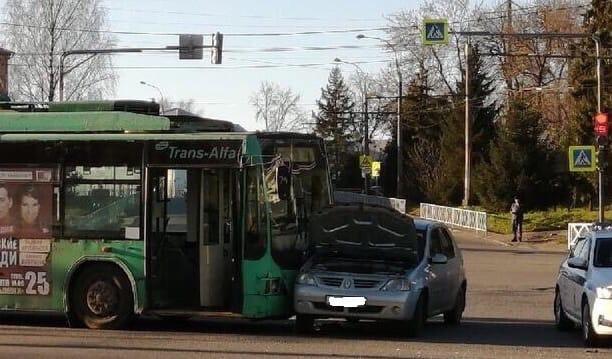 В Рыбинске в ДТП с троллейбусом пострадали две женщины