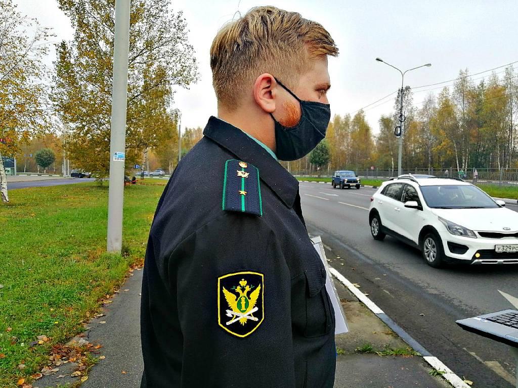 В Ярославле приставы обязали мэрию нанести разметку, а также установить знаки и ограждения у школ