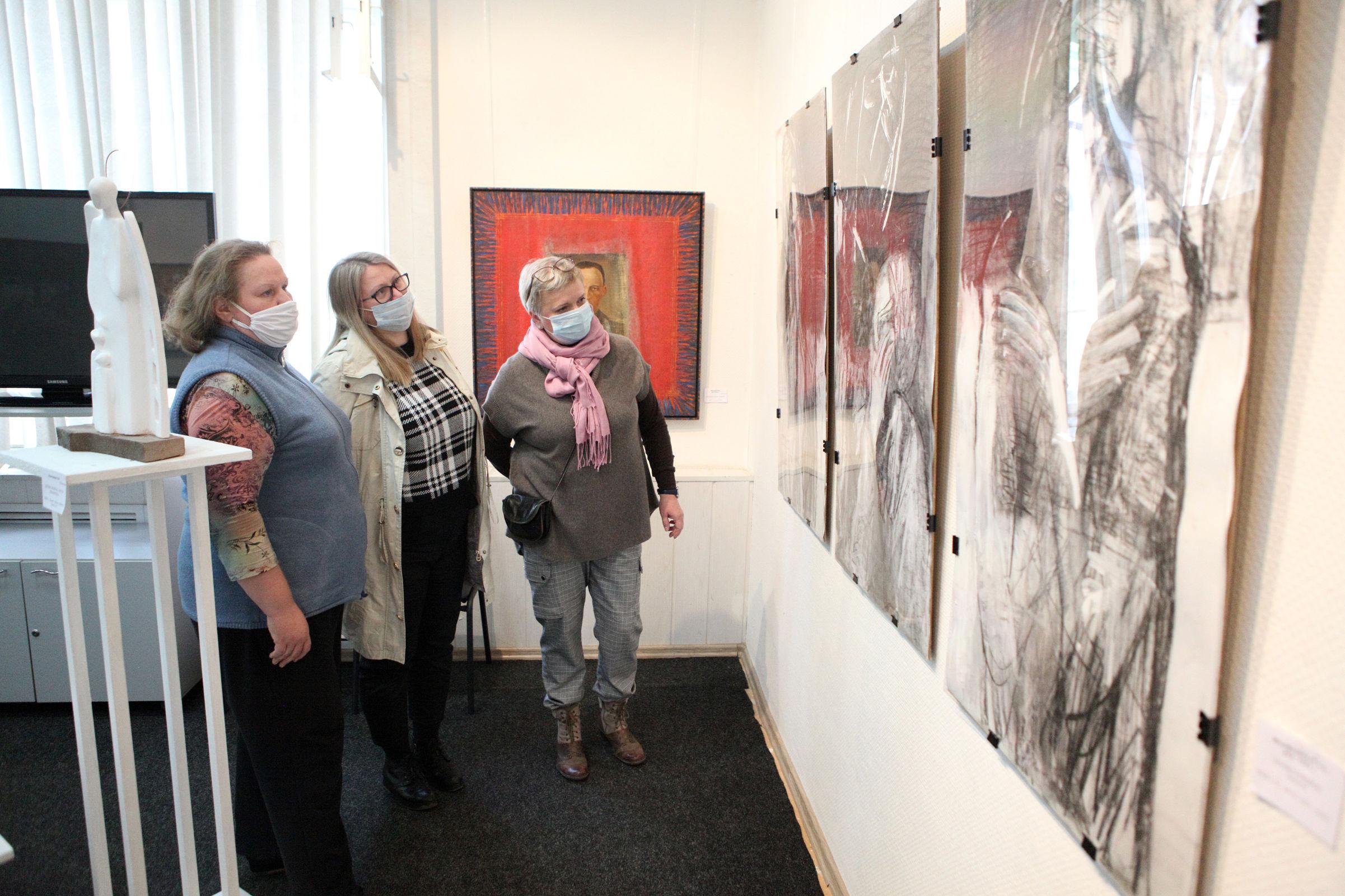 Работы военных лет смогли увидеть ярославцы на выставке, посвященной 75-летию Победы