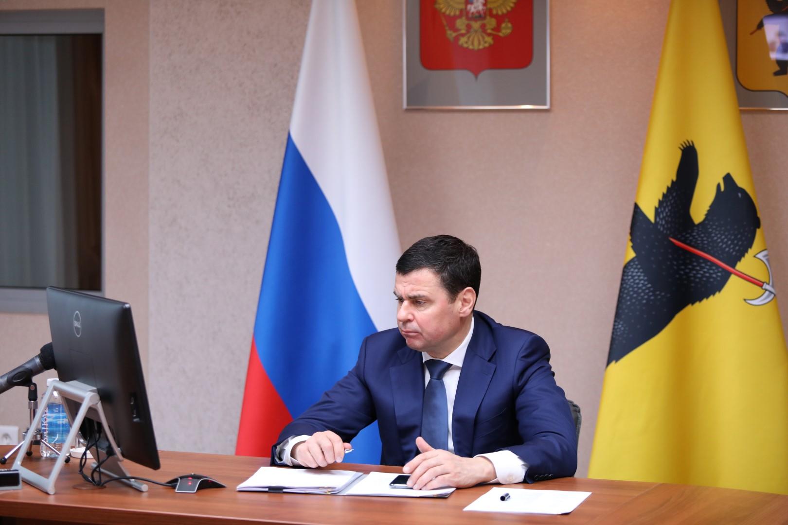 Дмитрий Миронов призвал молодежь пользоваться новыми возможностями, которые дает государство