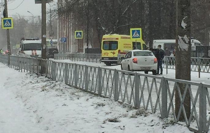 В Ярославле эвакуировали школу из-за ученицы, которая принесла на урок «гранату»