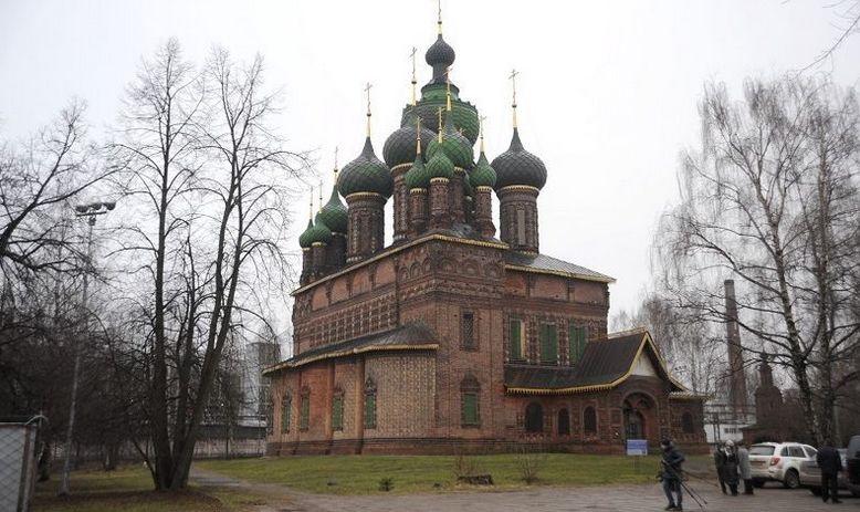 Пятнадцать глав, тысяча изразцов. Как преобразят ярославский храм с тысячерублевой купюры