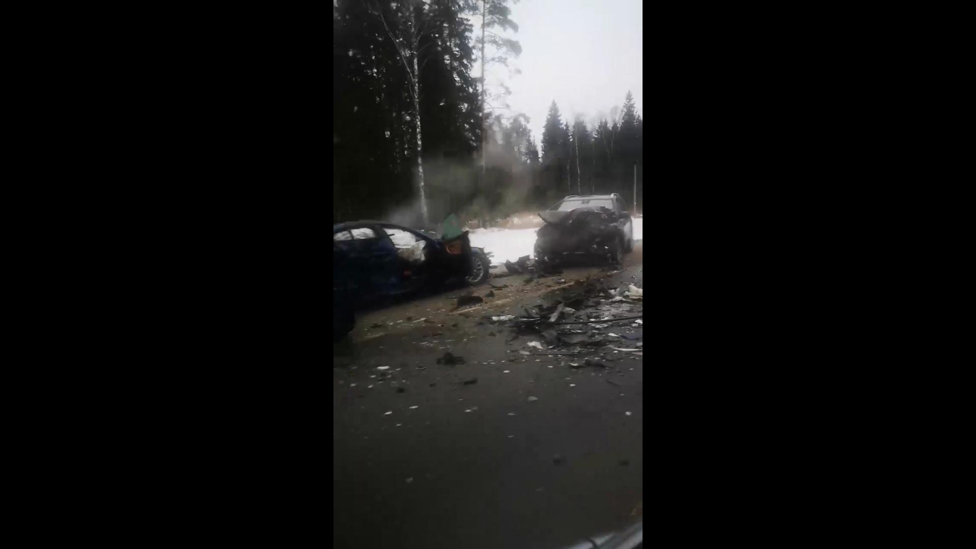 В Ярославской области на федеральной трассе в аварии погибли четыре человека