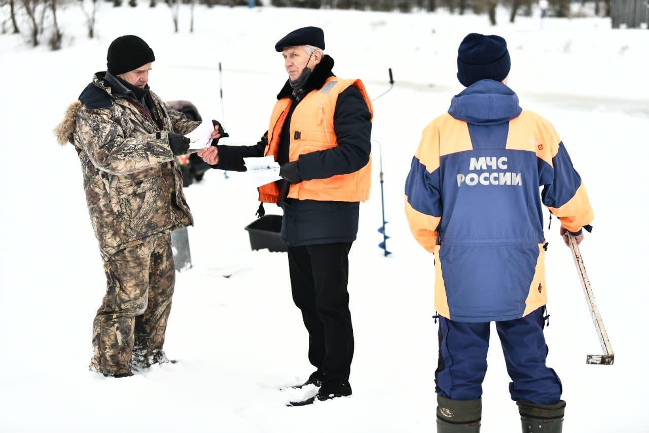 Спасатели в Ярославле провели рейды на водоемах: список опасных мест