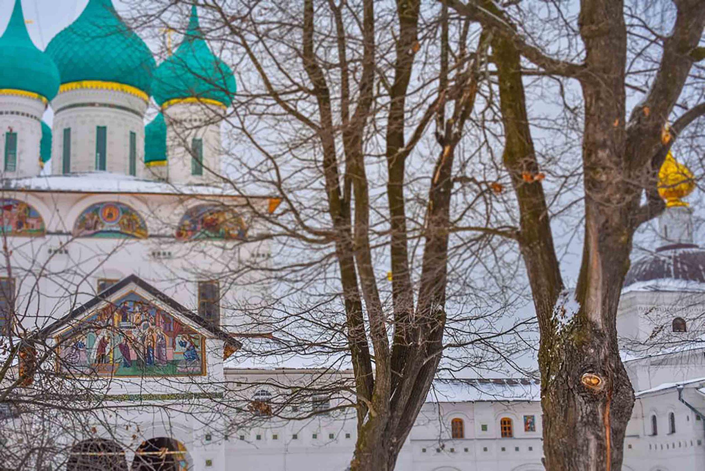 Стало известно расписание рождественских богослужений в храмах и монастырях Ярославля