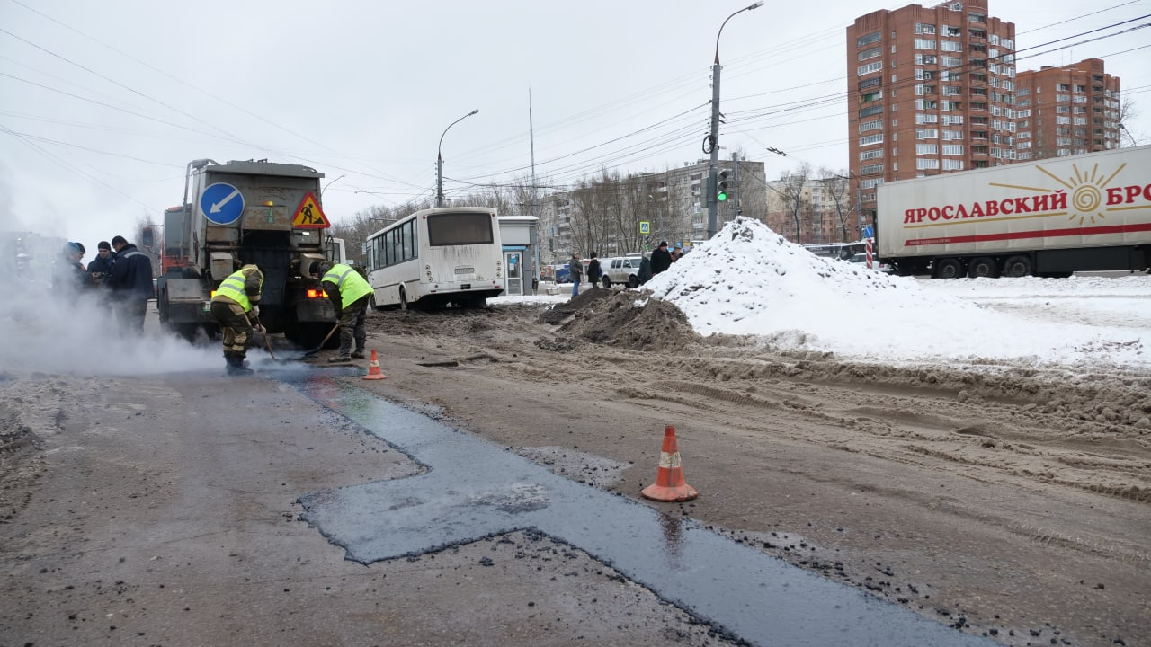 В Ярославле в январе приступили к ямочному ремонту дорог
