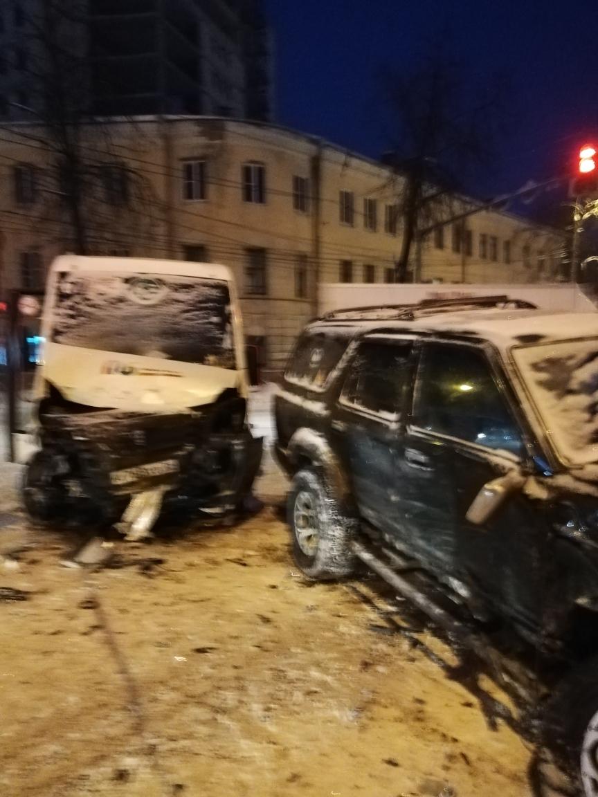 В ДТП с маршруткой в центре Ярославля пострадали три человека