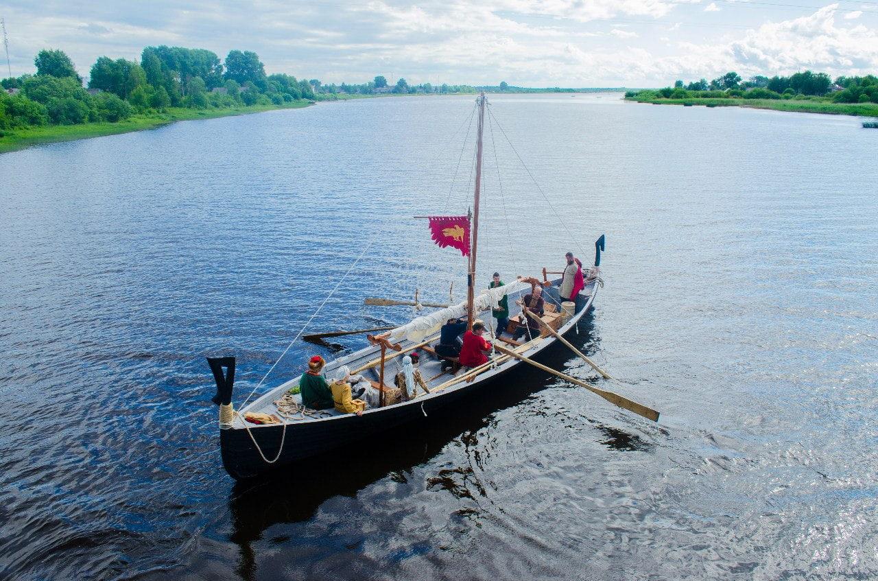 Под парусом – в прошлое. Ярославцы построили историческое судно по средневековым технологиям