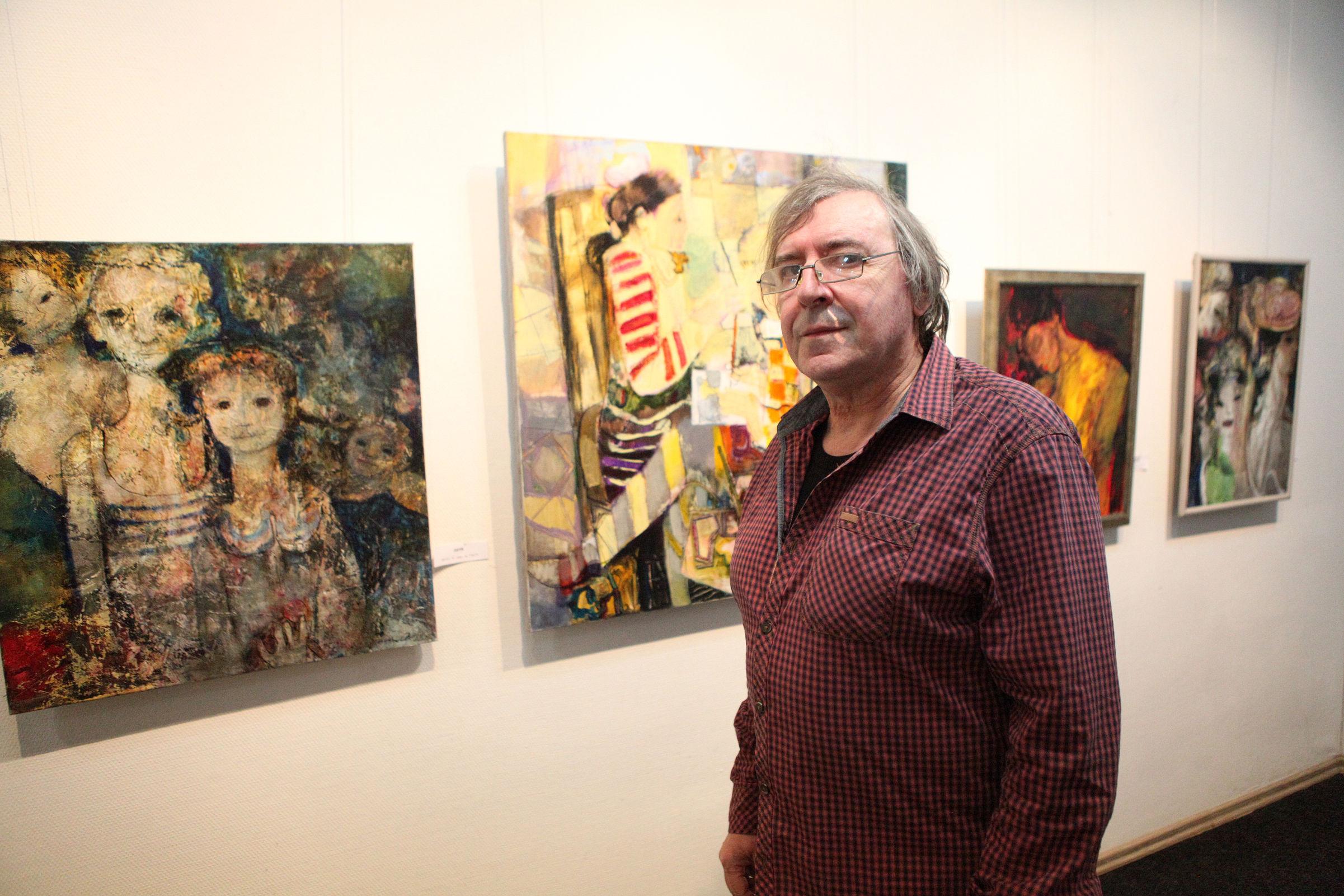 «Мои картины говорят»: открылась выставка известного в Европе и Америке ярославского художника