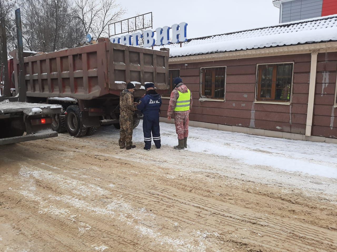 За незаконную транспортировку древесины нарушителей в Ярославской области оштрафовали почти на миллион рублей