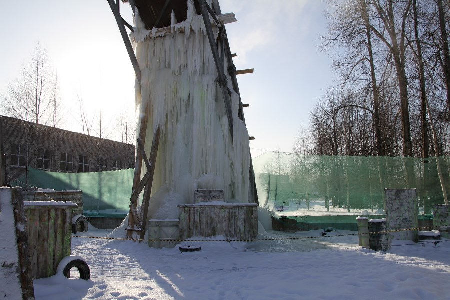 В Рыбинске экстремалы залезут на 12-метровую сосульку