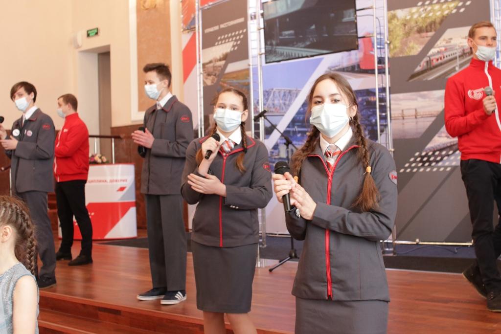 Дмитрий Миронов поздравил коллектив СЖД с победой в корпоративном конкурсе