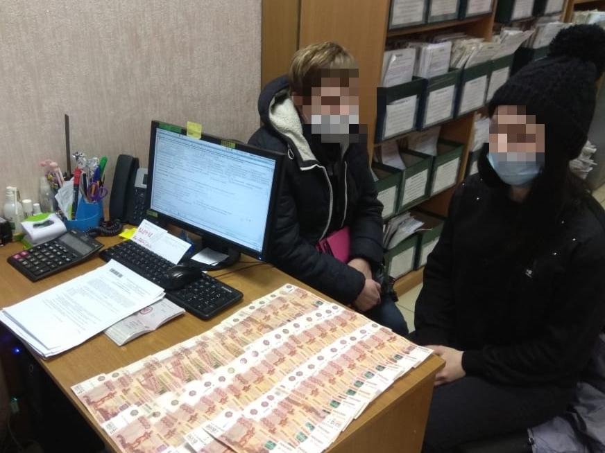 В Ярославле женщина выплатила 300 тысяч, чтобы вернуть своего сына