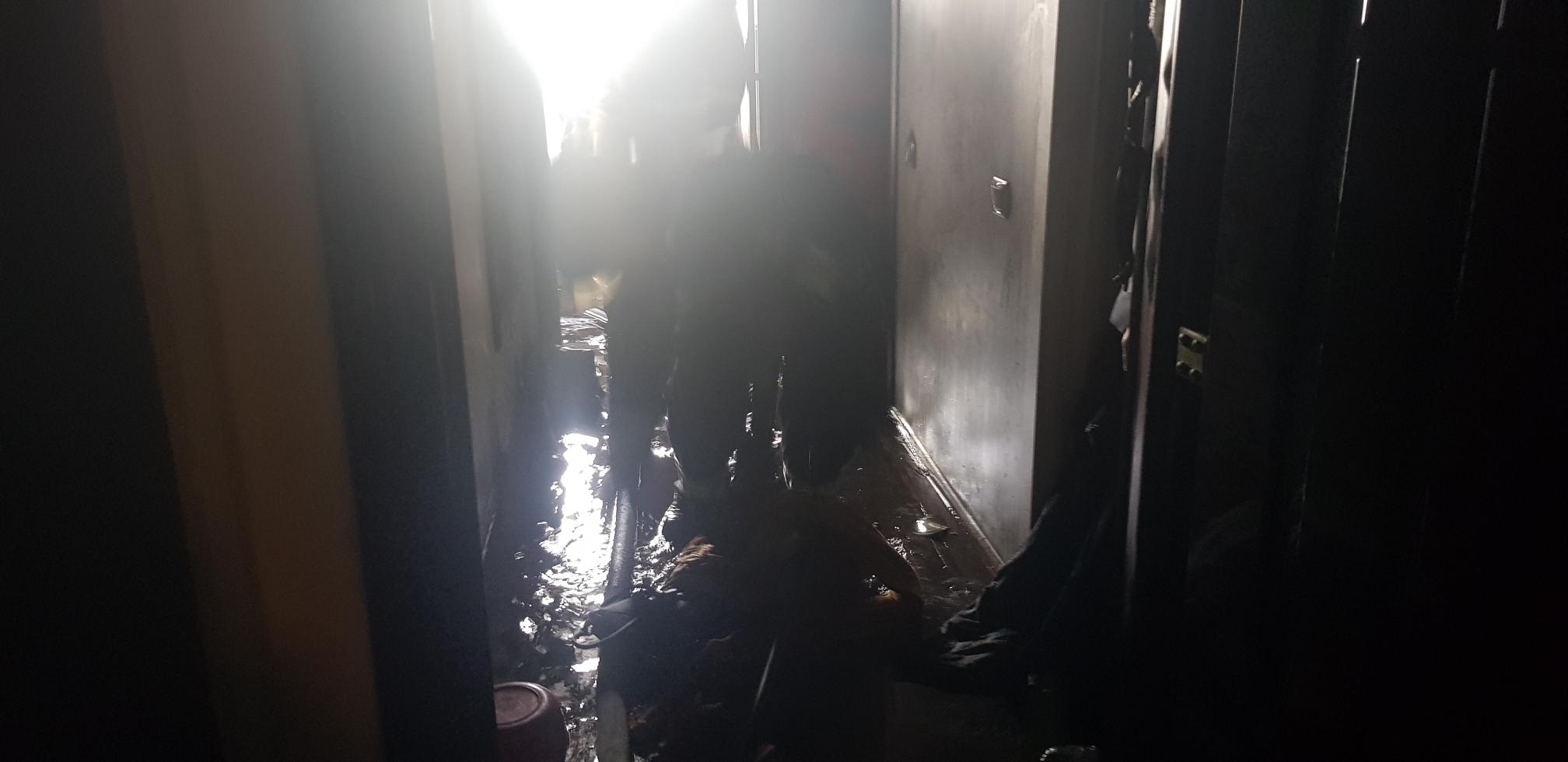 В Ярославле из-за возгорания в квартире эвакуировали целый подъезд