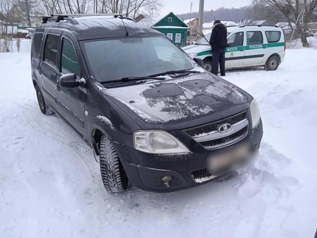 В Ярославской области многодетный отец может лишиться машины из-за долга перед родственником