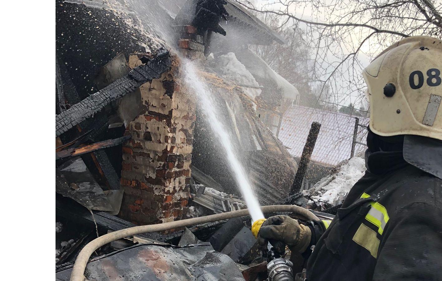 В Рыбинске сгорело здание Почты России
