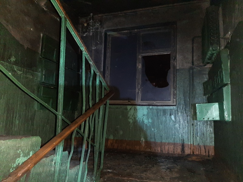В Рыбинске пожарные вывели из горящего здания 19 человек