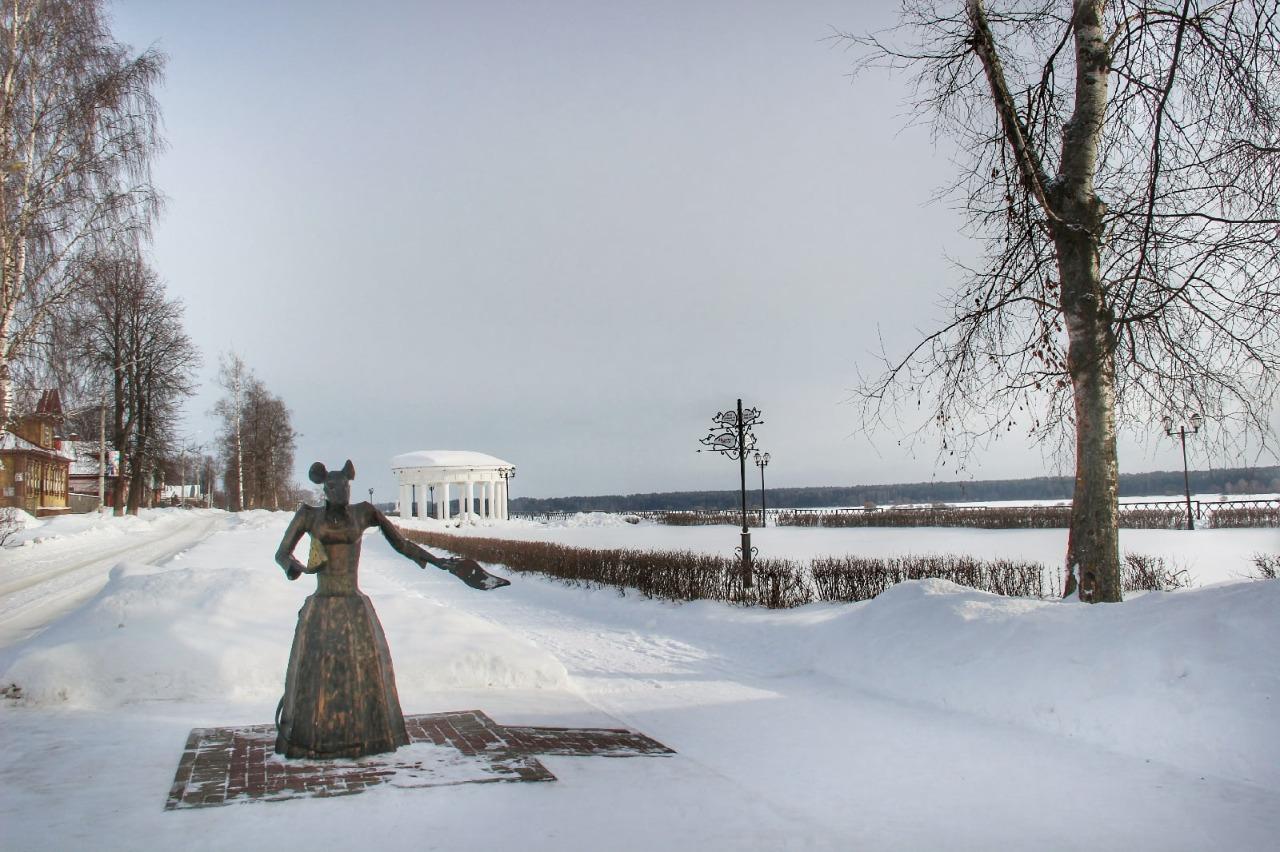 Скульптура «Мышь-купчиха» из Мышкина вошла в число самых необычных памятников России