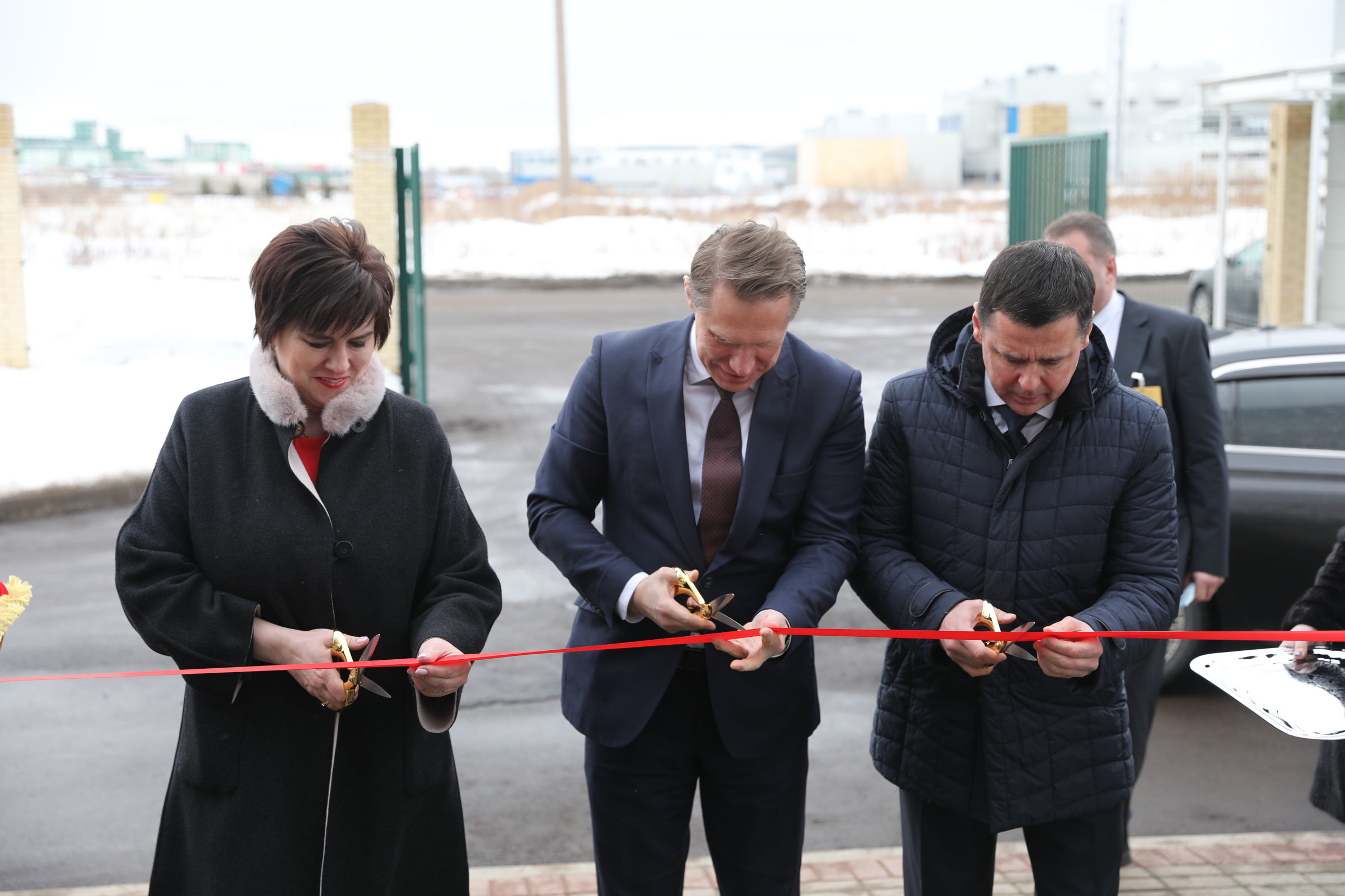 Министр здравоохранения РФ вместе с губернатором Дмитрием Мироновым открыли лабораторный комплекс ярославского филиала Росздравнадзора