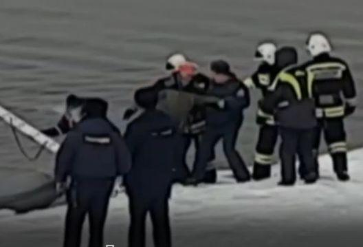 МЧС и ЦУР просят жителей Ярославской области не выходить на лед