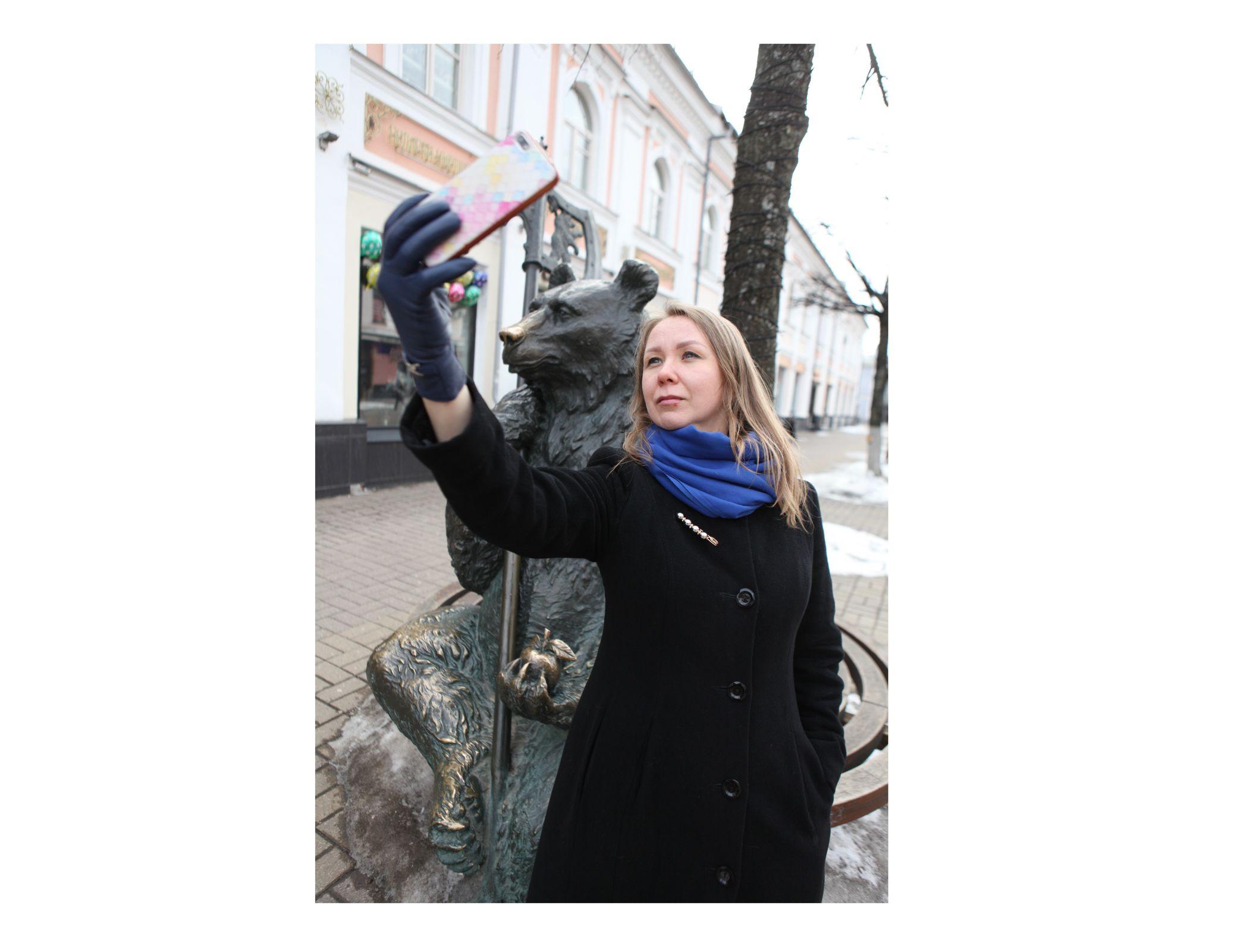 Селфи в туалетах и на высоте: в каких местах предпочитают фотографироваться в Ярославле