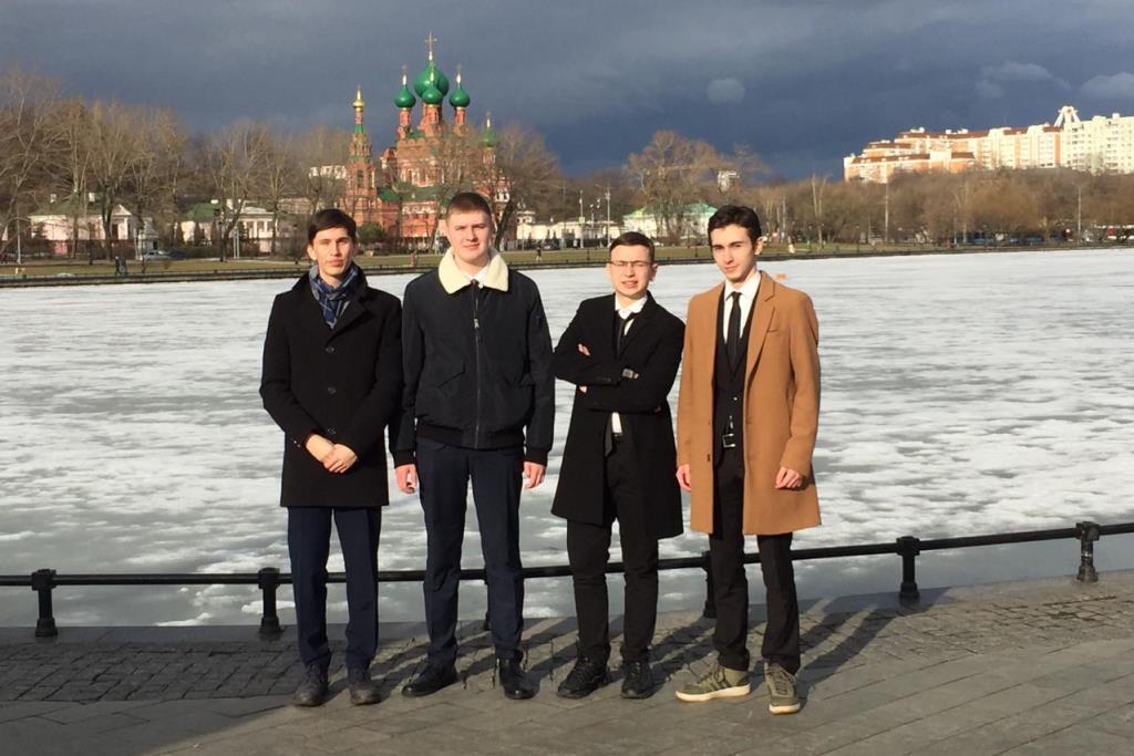 Сразу два ярославских школьника стали победителями интеллектуального состязания «Умницы и умники» на Первом канале