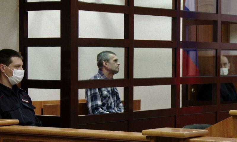 Застрелил рыбинского антиквара из самодельного оружия: в Ярославле начался суд над обвиняемым в убийстве