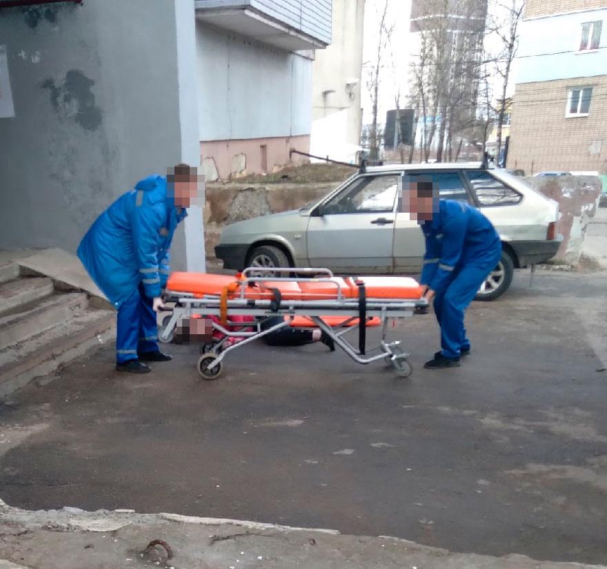 В Ярославле девушка выпала с восьмого этажа