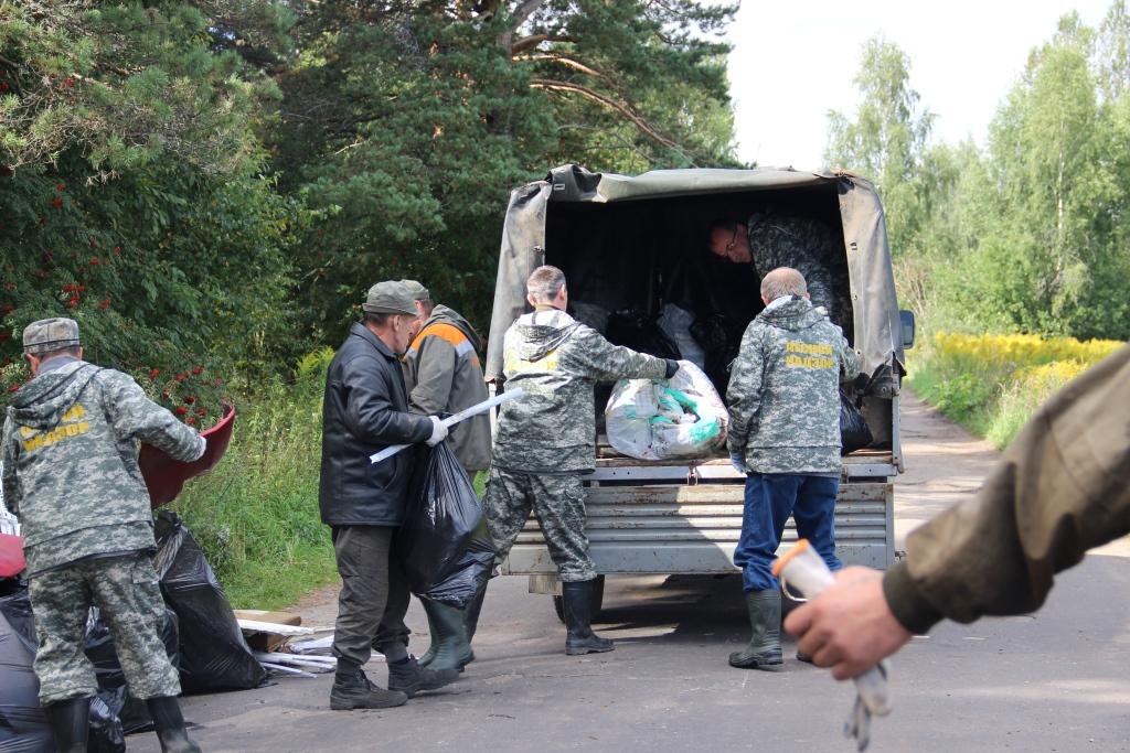 Девять несанкционированных свалок выявили на территории Ярославского лесничества