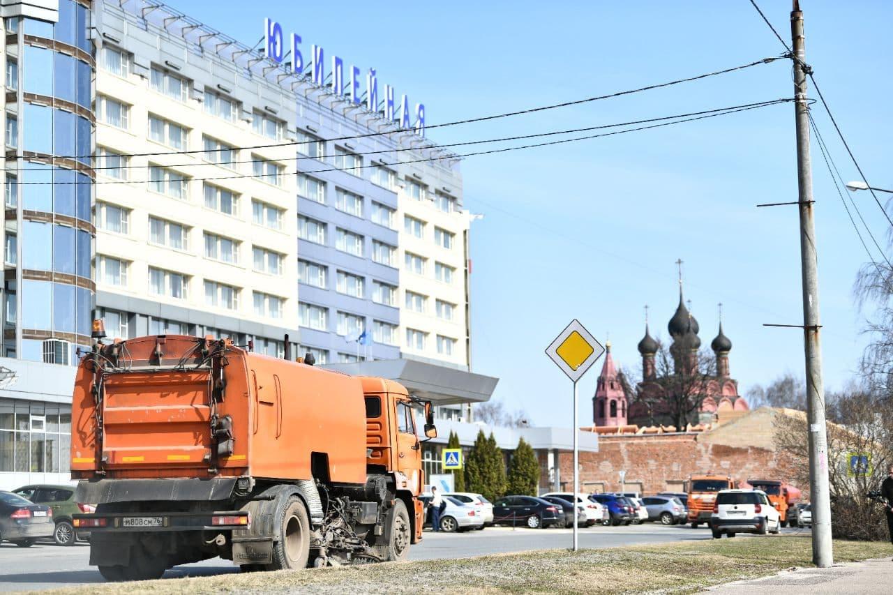 Порядок на улицах Ярославля планируют навести до окончания месячника по благоустройству