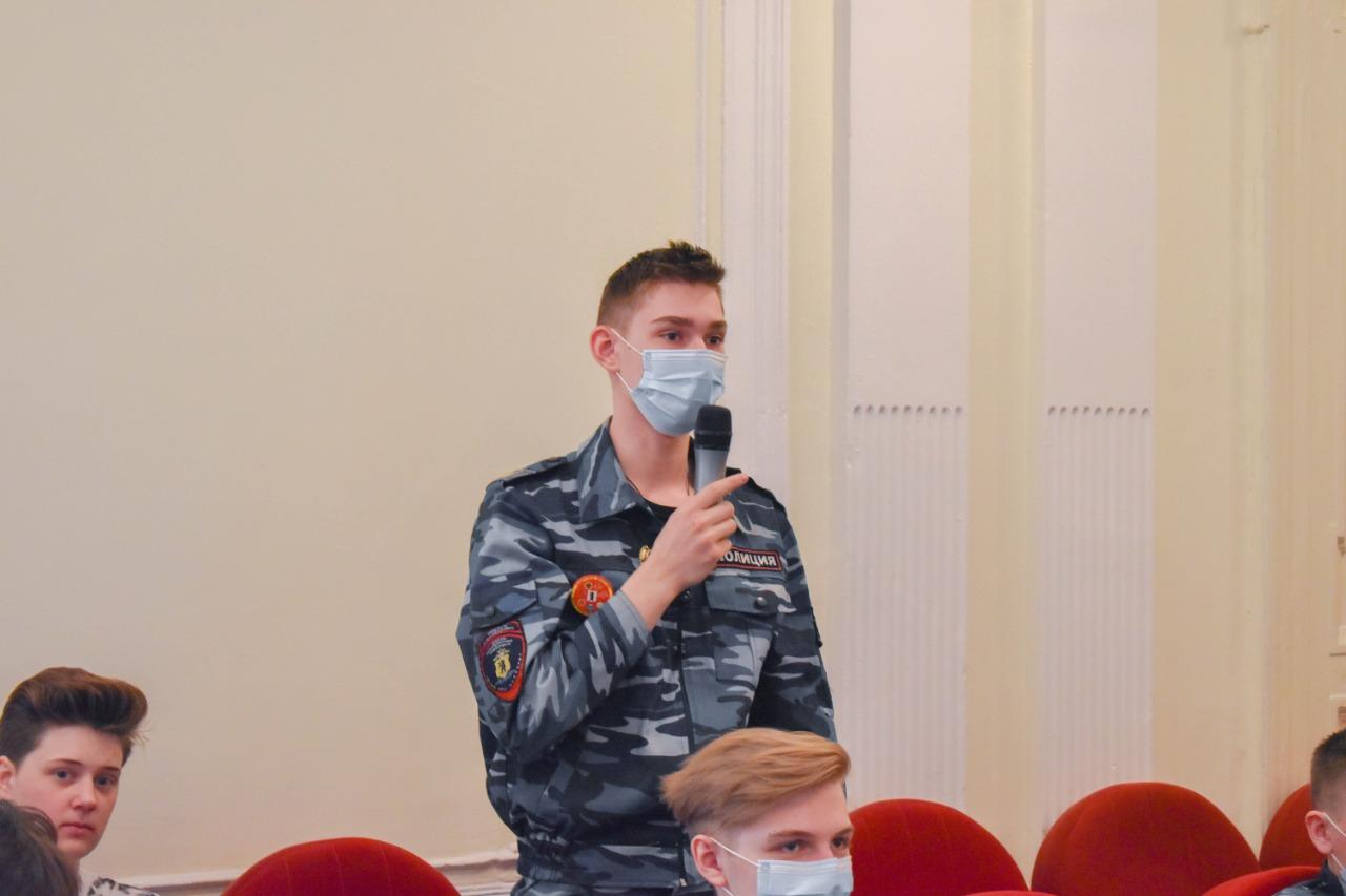 Ярославские школьники пообщались с летчиком-космонавтом Алексеем Овчининым