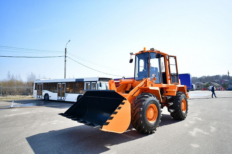 Ярославль закупает новую технику для уборки дорог