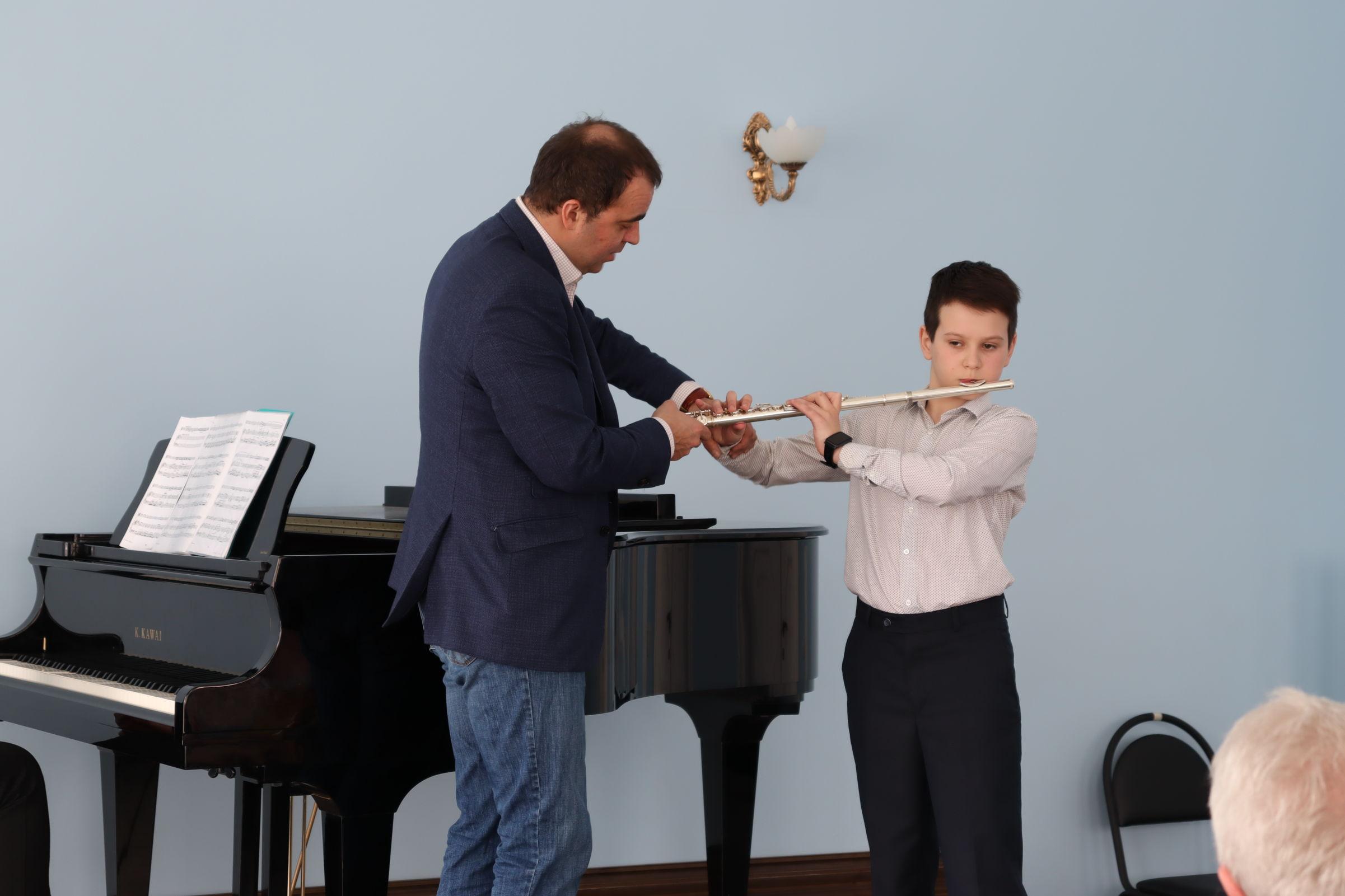 Юные скрипачи и флейтисты получили новые знания в ярославском центре Юрия Башмета