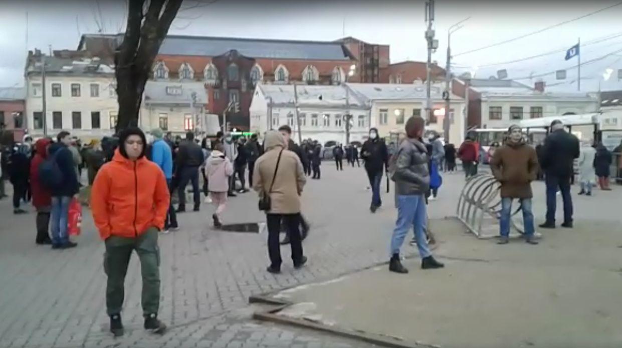 Сторонники, журналисты и случайные прохожие – на несанкционированный митинг пришли 0,05% ярославцев