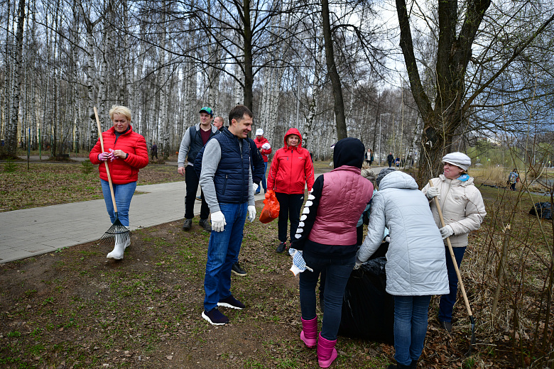 Более 18 тысяч ярославцев приняли участие в общегородском субботнике
