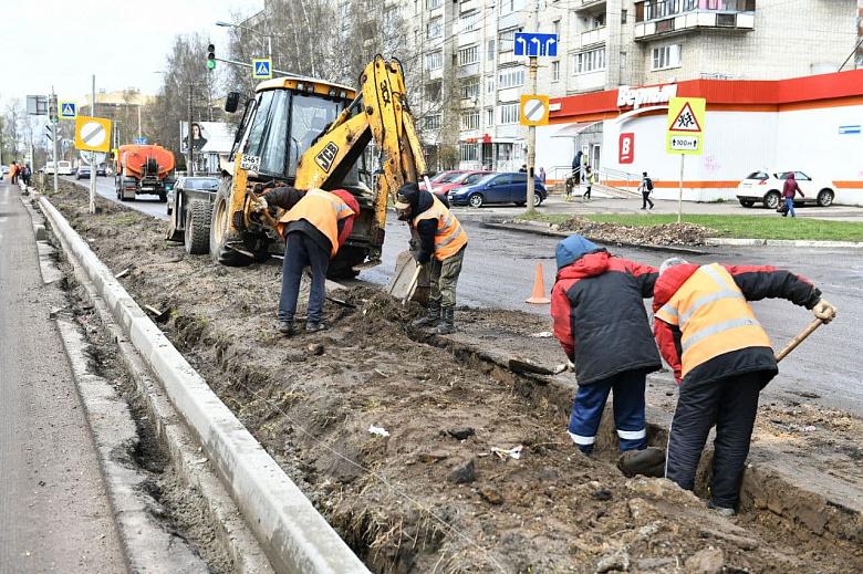Асфальт на проспекте Машиностроителей в Ярославле начнут укладывать в праздники