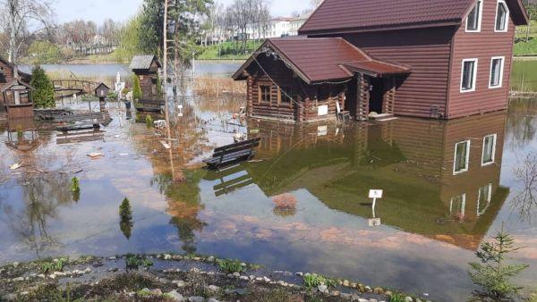 «Уровень воды вскоре начнет снижаться»: ущерб от подтопления ландшафтного музея оценят после мониторинга