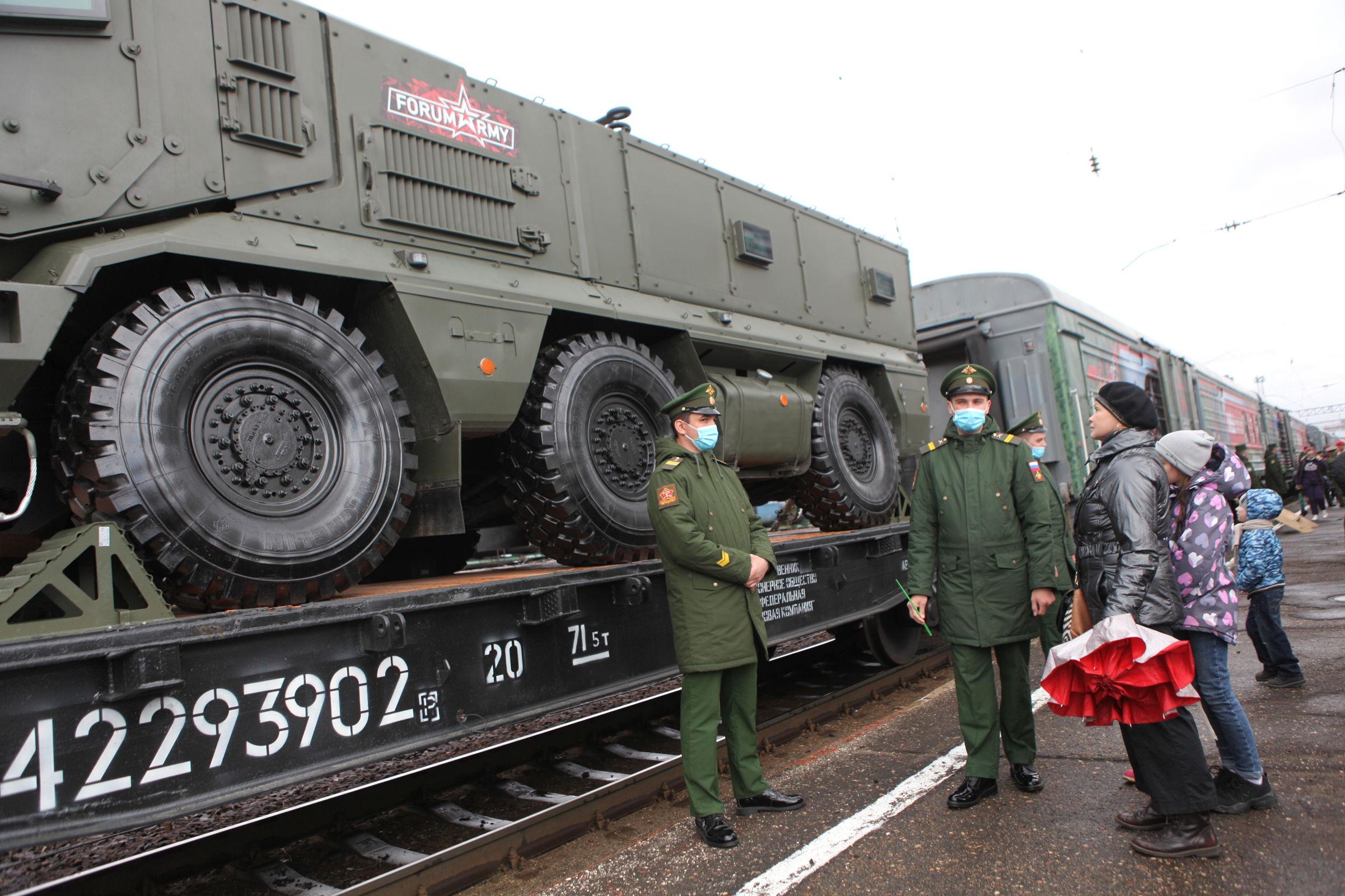 Спецпоезд Минобороны России прибыл в Ярославль: фоторепортаж