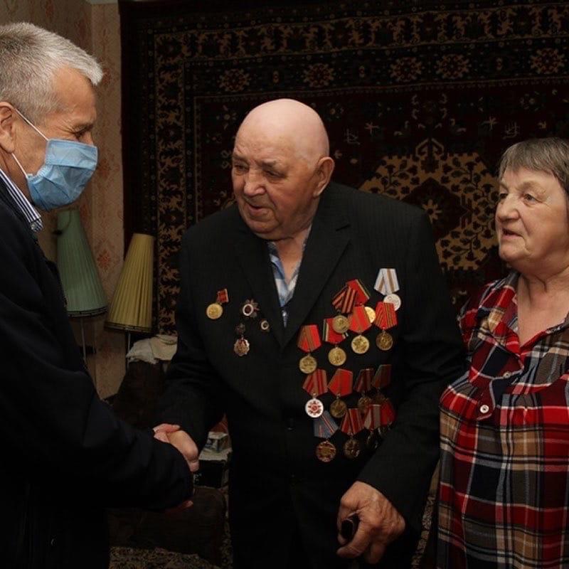 Дмитрий Миронов: к 76-летию Великой Победы ветеранам дарят важные и нужные в быту подарки