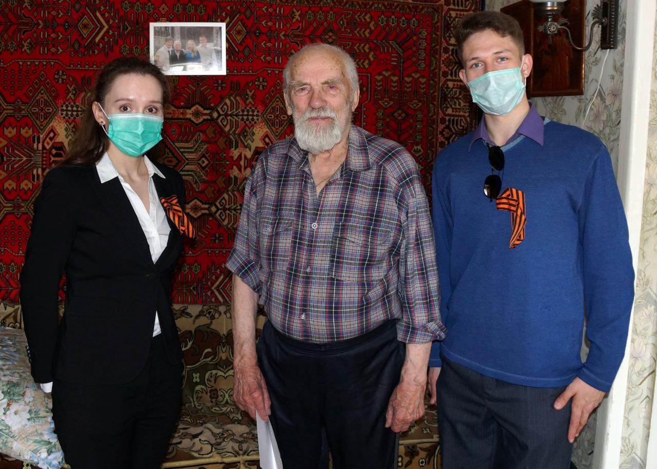 Ярославские энергетики поздравили с Днем Победы ветеранов