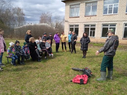 Воспитанники школьных лесничеств учатся предотвращать пожары