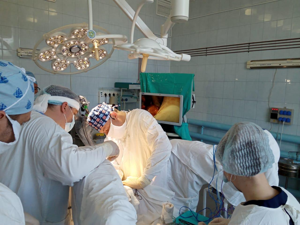 Лучшие хирурги-онкологи страны продемонстрировали в Ярославле самые передовые методики лечения опухолей