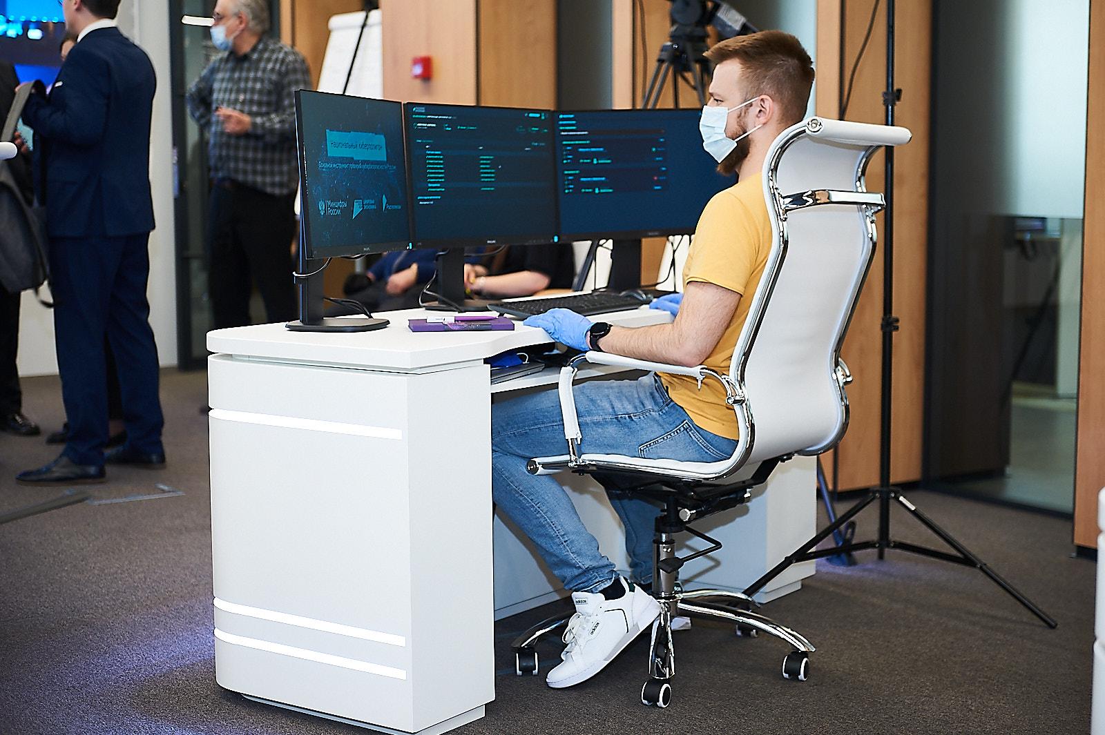 Дмитрий Чернышенко: на пяти киберполигонах пройдут учения в 2021 году