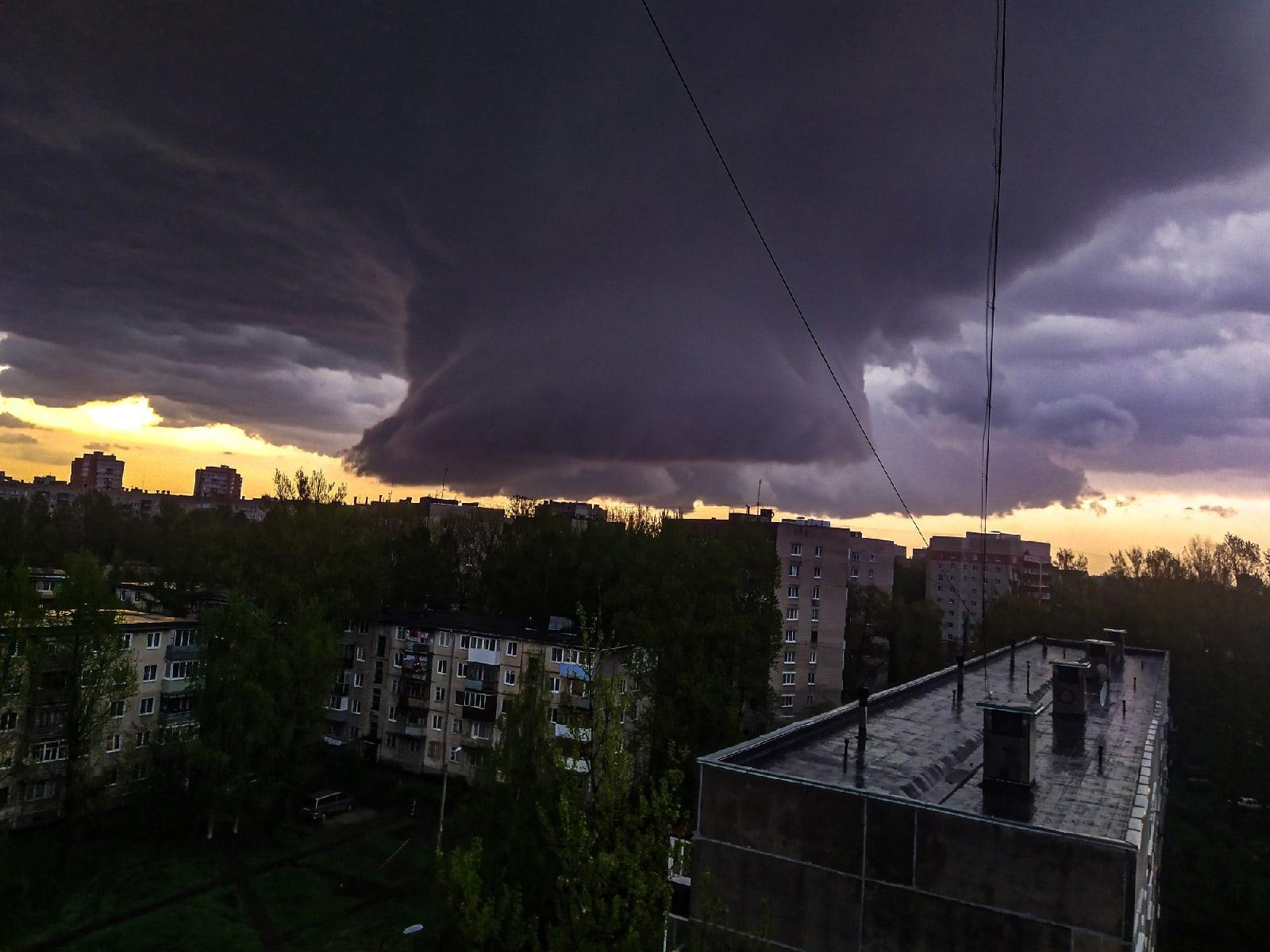 В Ярославле выпал град размером с яйцо: пользователи соцсетей выкладывают фото непогоды
