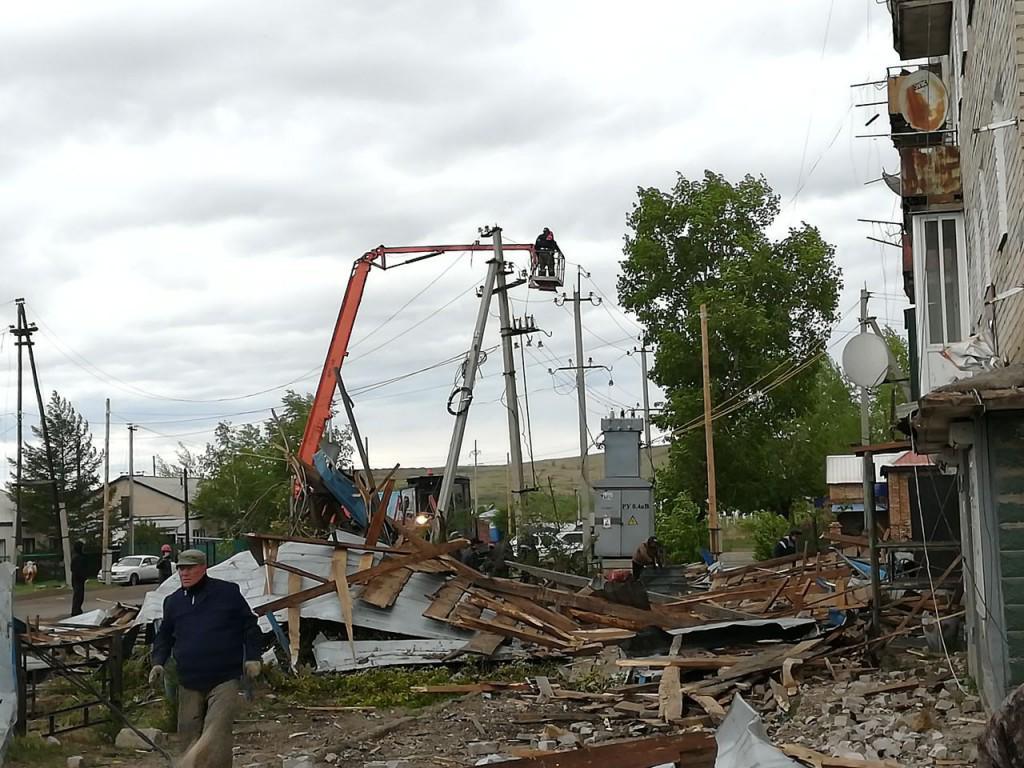 Специалисты «Россети Центр» и «Россети Центр и Приволжье» восстановили энергоснабжение порядка 50% жителей регионов, ранее нарушенное мощным ураганом