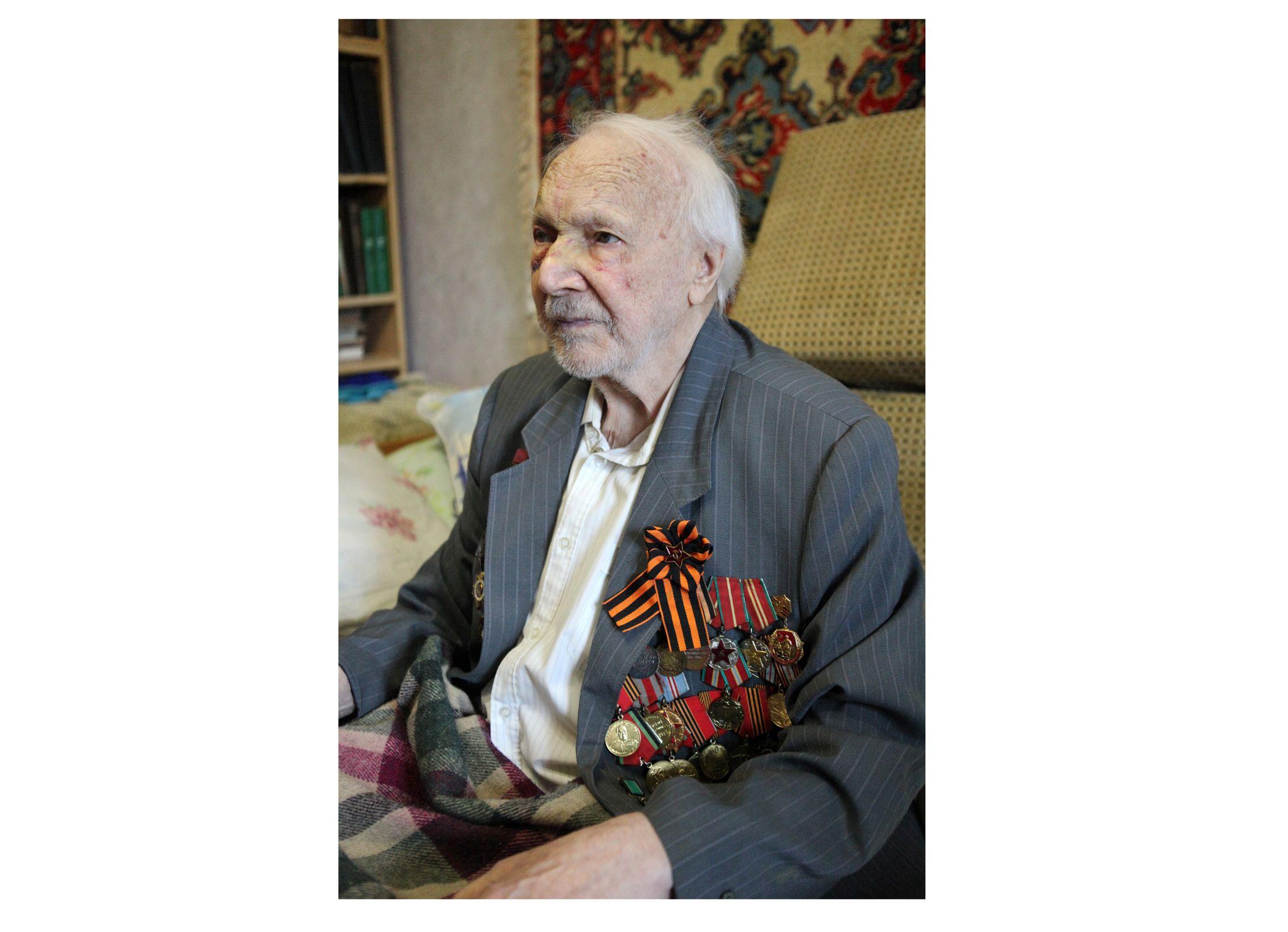 «Порой кормили супом из травы и отваренными початками кукурузы»: ярославский ветеран поделился воспоминаниями о войне