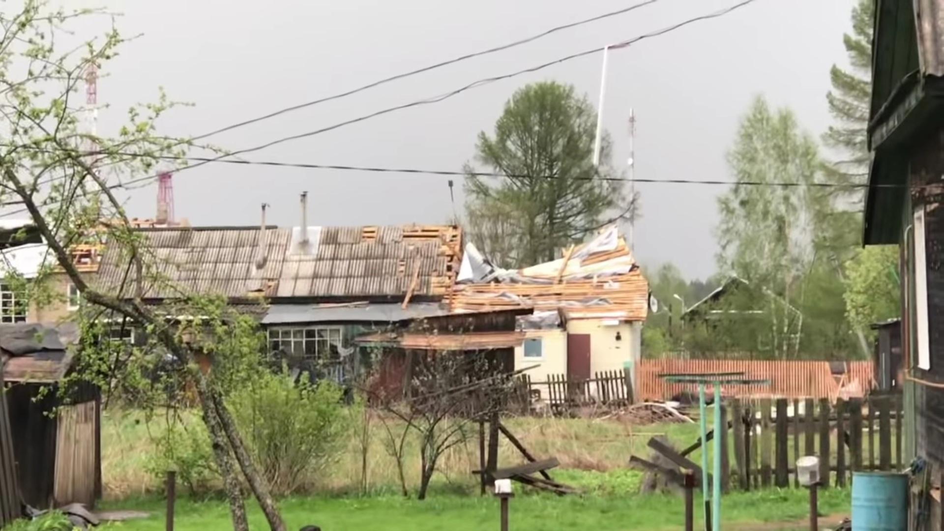 В Любиме безвозмездно предоставят 880 листов шифера для ремонта крыш, пострадавших от урагана