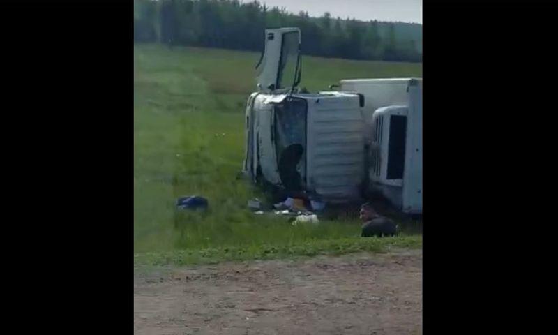 Из-за массовой аварии с грузовиком и фурой под Ярославлем образовалась внушительная пробка