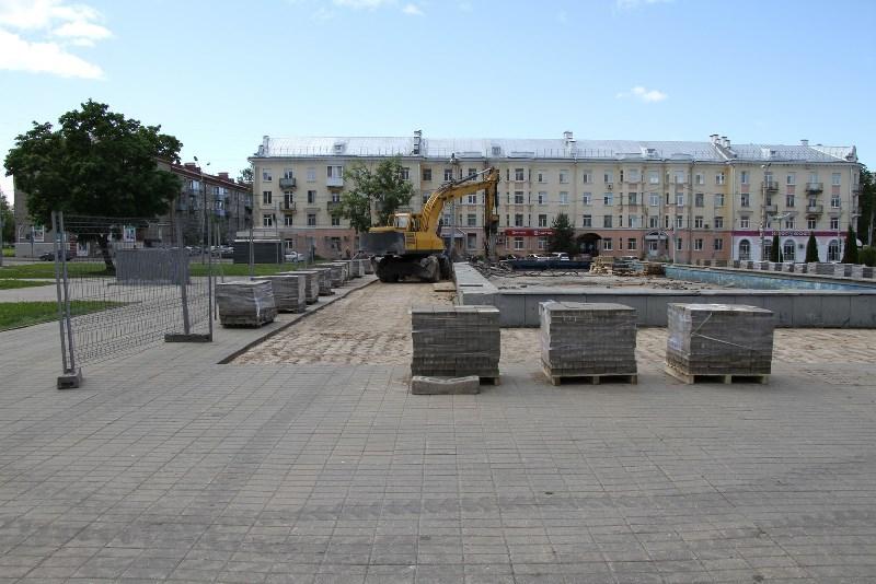 На площади Дерунова в Рыбинске демонтируют фонтан и установят Доску почета