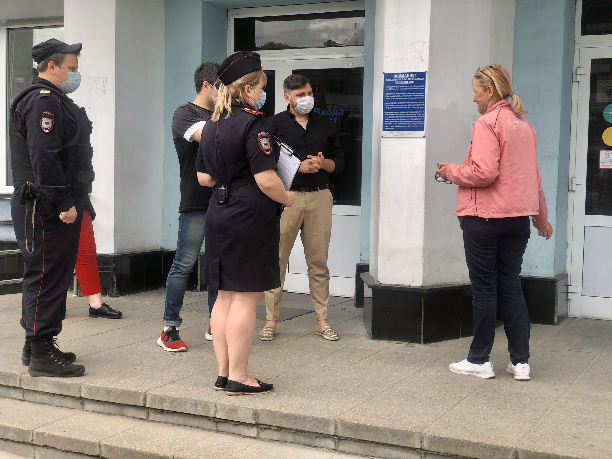Соблюдение масочного режима проверили на автовокзале Ярославль